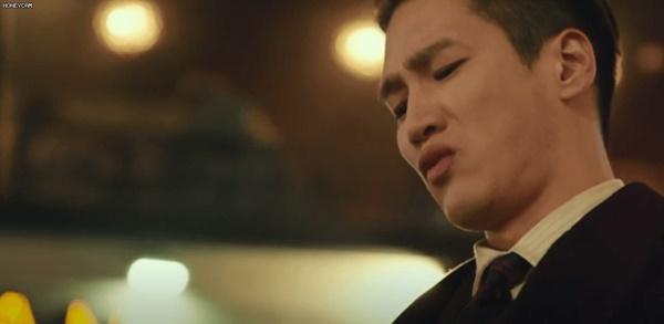 Itaewon Class: Da Mi bị hành hung giữa phố, Park Seo Joon hóa anh hùng hạ gục quý tử nhà Jangga-3