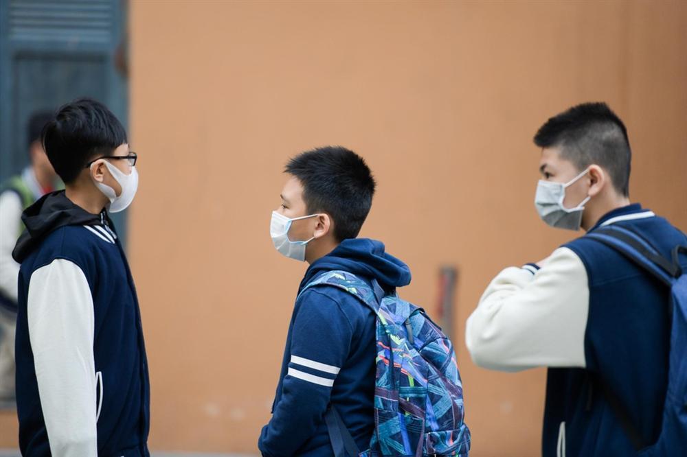 Hôm nay, học sinh THPT ở nhiều tỉnh thành đến lớp-1
