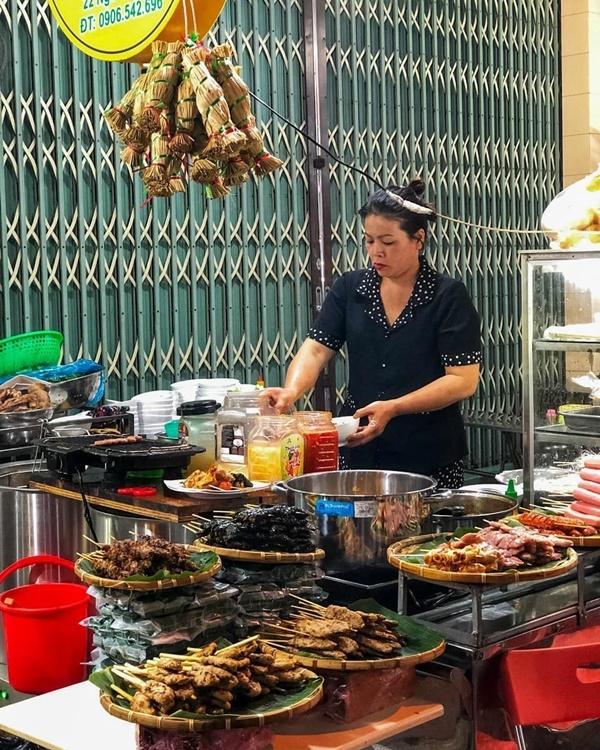 8 địa chỉ ăn uống nổi tiếng ngon giá lại bình dân  ở Quy Nhơn-15