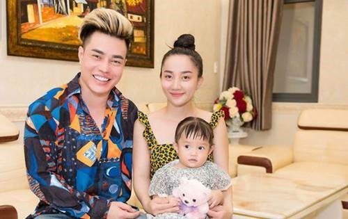 Lê Dương Bảo Lâm khoe ở nhà 7 tỷ, vợ đẹp, con xinh-1