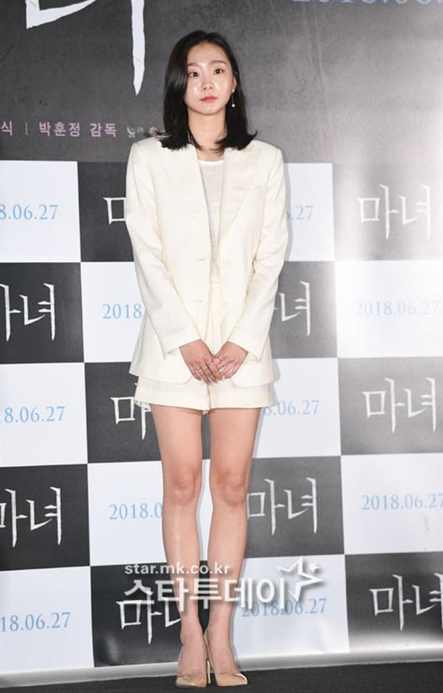 Style trong Itaewon Class đã dìm Kim Da Mi quá đáng, chứ ngoài đời đẹp hoàn mỹ, ảnh không photoshop vẫn xuất sắc thế này cơ mà-10