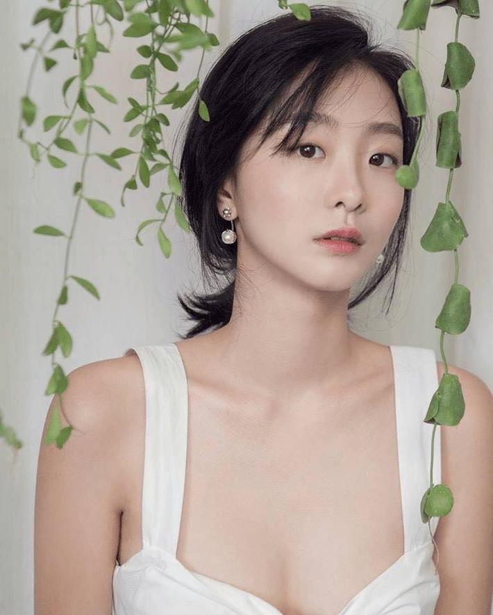 Style trong Itaewon Class đã dìm Kim Da Mi quá đáng, chứ ngoài đời đẹp hoàn mỹ, ảnh không photoshop vẫn xuất sắc thế này cơ mà-12