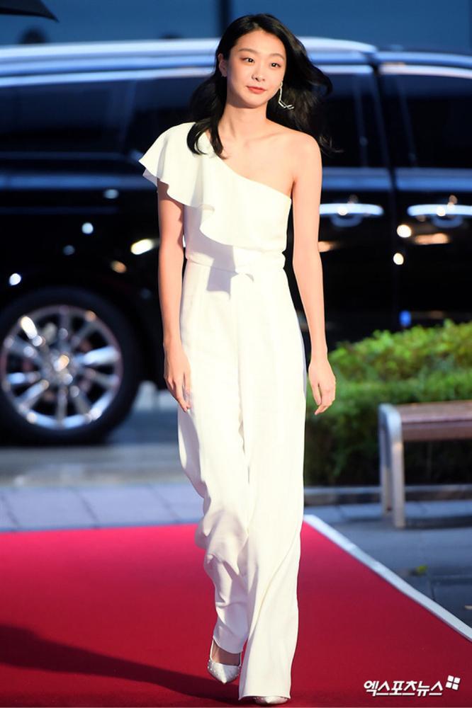 Style trong Itaewon Class đã dìm Kim Da Mi quá đáng, chứ ngoài đời đẹp hoàn mỹ, ảnh không photoshop vẫn xuất sắc thế này cơ mà-7