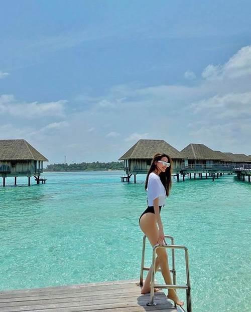 Hồ Ngọc Hà thả dáng với bikini, fans thích thú vì quá gợi cảm-1