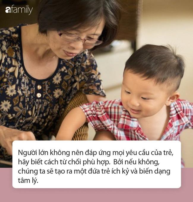 Bị cháu trai lao vào đánh vì không được mua món đồ như ý, bà còn nói một câu khiến người mẹ đau lòng vì cách dạy của bà-5