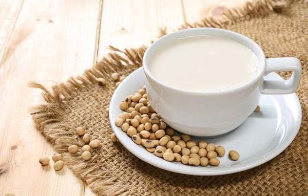 8 trường hợp không nên uống sữa đậu nành kẻo sức khỏe xuống dốc không phanh-1