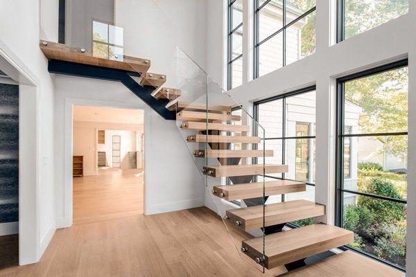 Các mẫu cầu thang nhà ống 5m tối giản mà hiện đại cho ngôi nhà của bạn-3