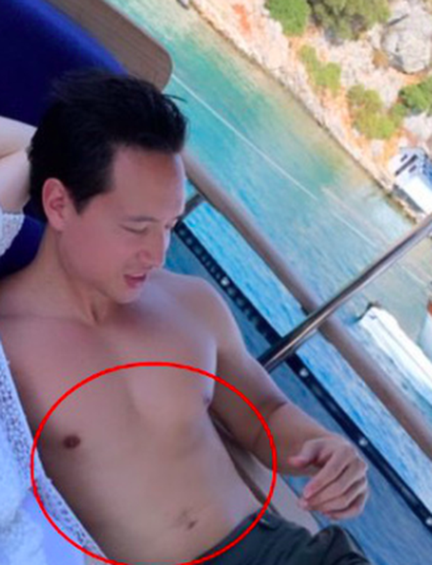 Tự tin cởi áo khoe body cực phẩm nhưng Kim Lý lại bị soi photoshop đến mức dị dạng khó hiểu-2