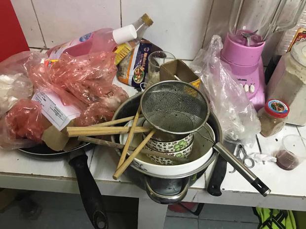 Em gái nuôi ở bẩn kinh hoàng bị bóc phốt lên mạng xã hội: Phòng trọ bừa bộn, bát đũa mốc meo, bốc mùi thum thủm-3
