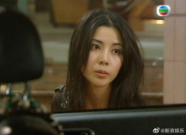 Bằng chứng thép 4 trên TVB: Hoa hậu Hồng Kông bị chê đơ, Xa Thi Mạn - Mông Gia Tuệ làm cảnh sát đẹp nức nở-3