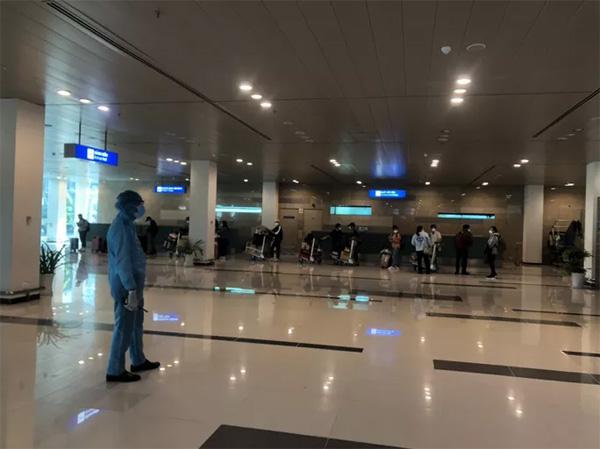 CLIP: Hành khách từ Hàn Quốc về, khi cách ly không tốn chi phí gì-1