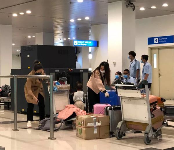 CLIP: Hành khách từ Hàn Quốc về, khi cách ly không tốn chi phí gì-3