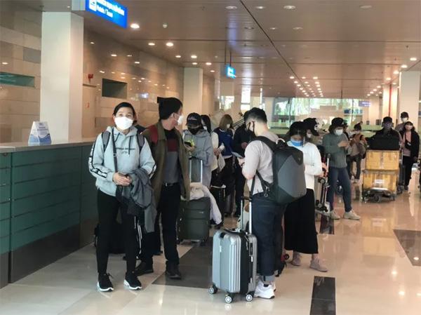 CLIP: Hành khách từ Hàn Quốc về, khi cách ly không tốn chi phí gì-4