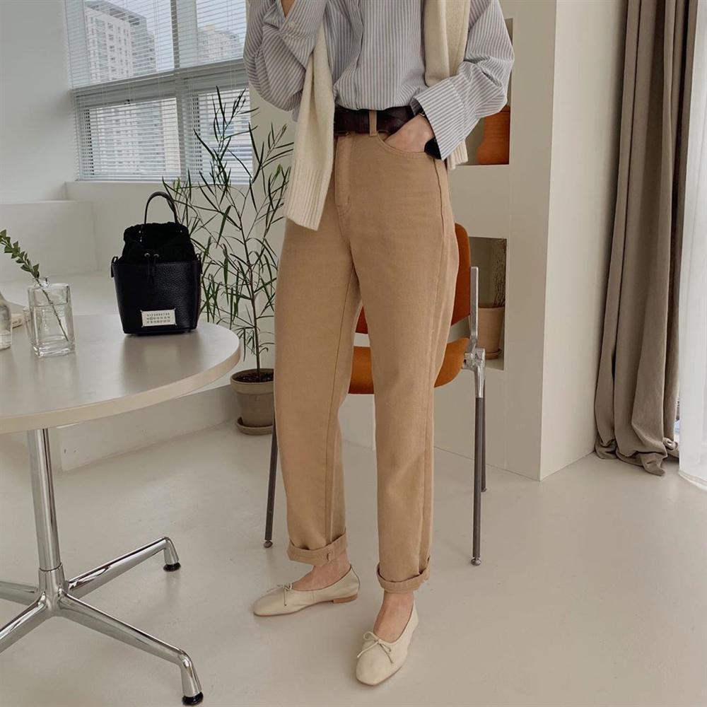 Xin giới thiệu đến chị em kiểu giày búp bê hot nhất lúc này, diện với quần jeans hay váy vóc cũng đều đẹp mê-6