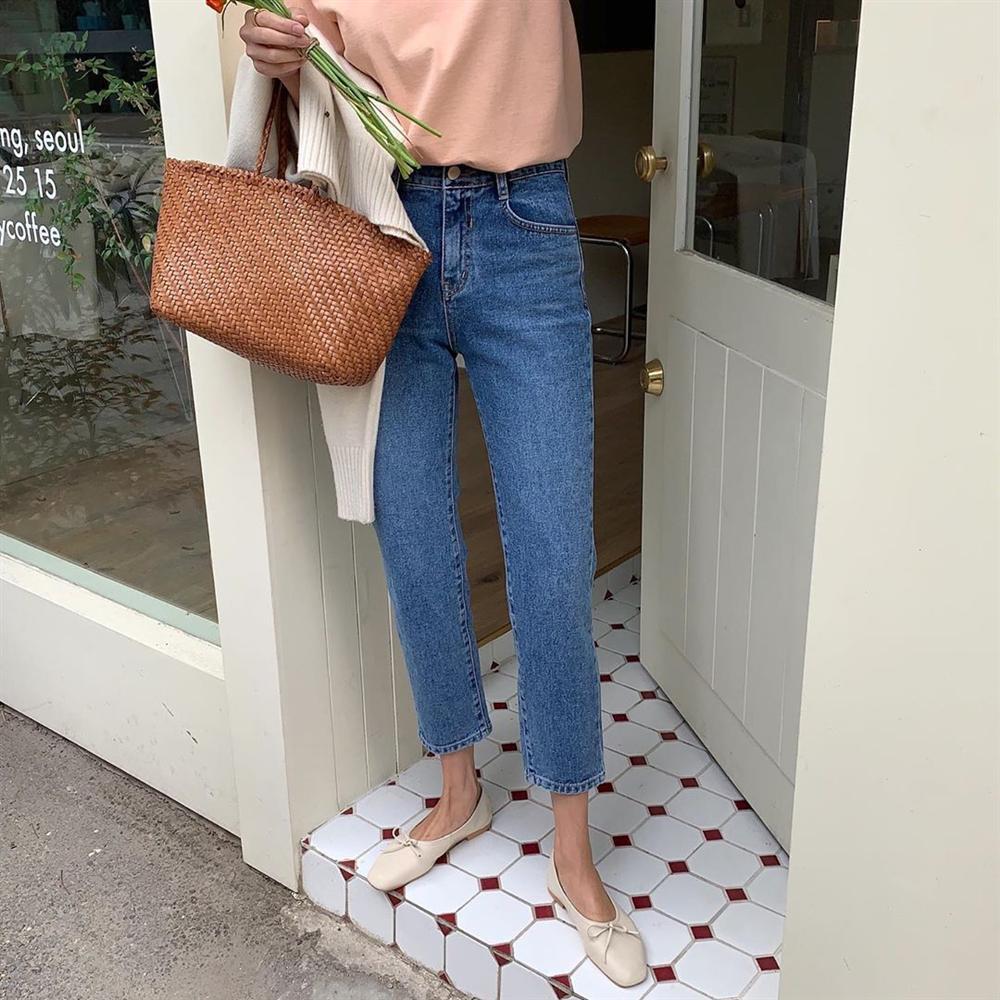 Xin giới thiệu đến chị em kiểu giày búp bê hot nhất lúc này, diện với quần jeans hay váy vóc cũng đều đẹp mê-7