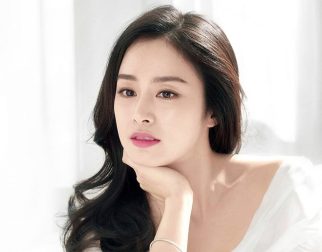 Kim Tae Hee chăm da thế nào để không bị mụn, trẻ trung ở tuổi 39?-2