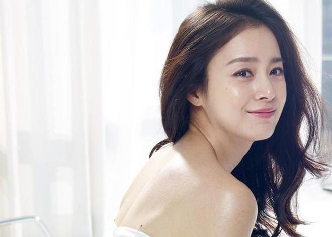 Kim Tae Hee chăm da thế nào để không bị mụn, trẻ trung ở tuổi 39?-3