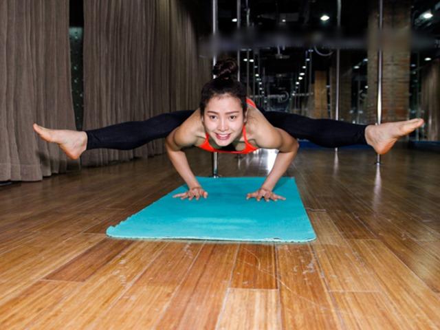 Tròn mắt chiêm ngưỡng trình yoga dẻo như bún của Phương Trinh Jolie-6