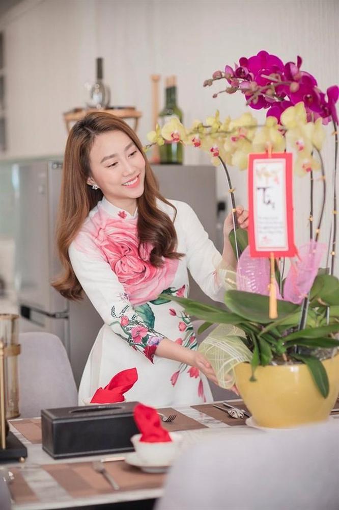 Hé lộ căn hộ cao cấp của diễn viên Hồng Loan hẹn hò cầu thủ Tiến Linh-2
