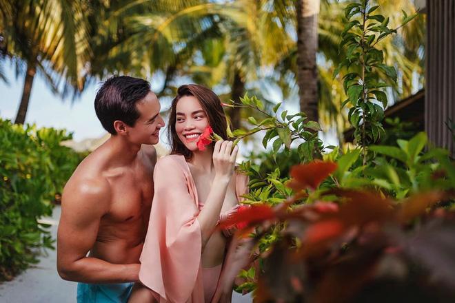 Hồ Ngọc Hà và Kim Lý tình tứ trên bãi biển-4