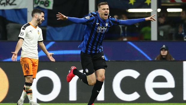 Xác định trận đấu đầu tiên tại giải bóng đá hấp dẫn nhất châu Âu phải thi đấu không khán giả vì dịch Covid-19-1