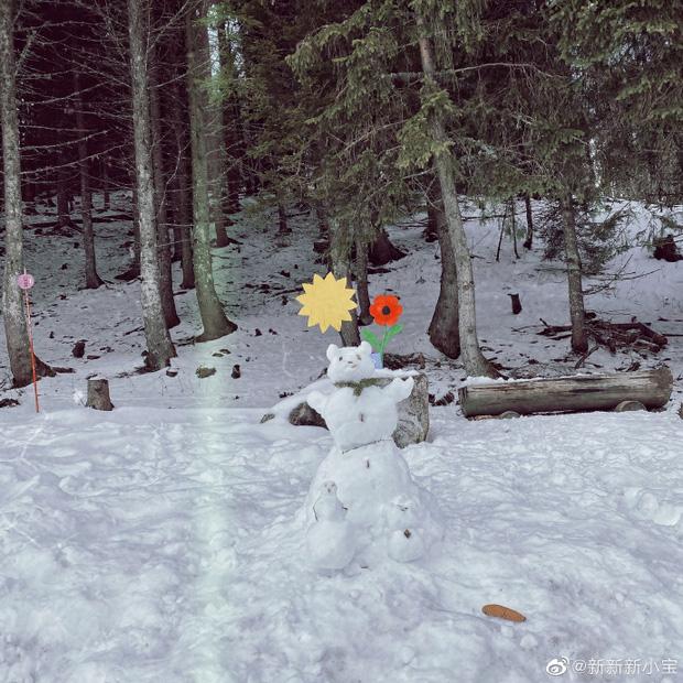 Con trai Triệu Vy khoe ảnh gia đình đi trượt tuyết, để lộ chi tiết làm dấy nghi vấn cha mẹ đã ly hôn-5