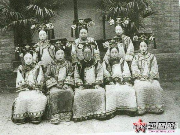 Triều nhà Thanh có hơn 200 nghìn nữ nhân, tại sao đa số các bức ảnh phi tần hậu cung được lưu giữ đến ngày nay lại kém sắc như thế?-3