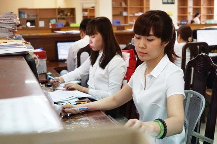 Công chức, viên chức nhiều địa phương sắp được tăng thêm thu nhập-1