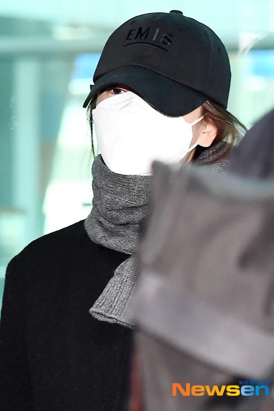 Xuất hiện lần đầu sau khi nhận chỉ trích dữ dội, Song Hye Kyo lại bị nhắc nhở vì sự bất cẩn này-2