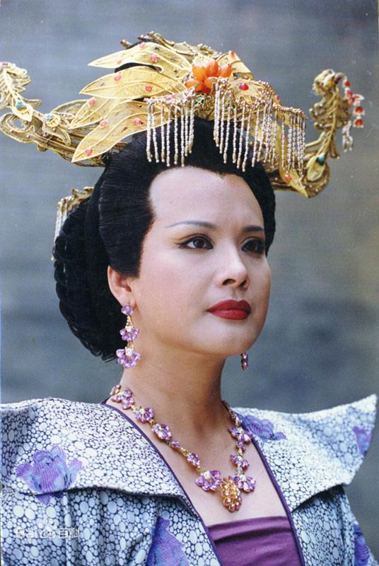 Mỹ nhân Tây Du Ký được ví đẹp như Tây Thi, là bà trùm khét tiếng giàu có và quyền lực-6