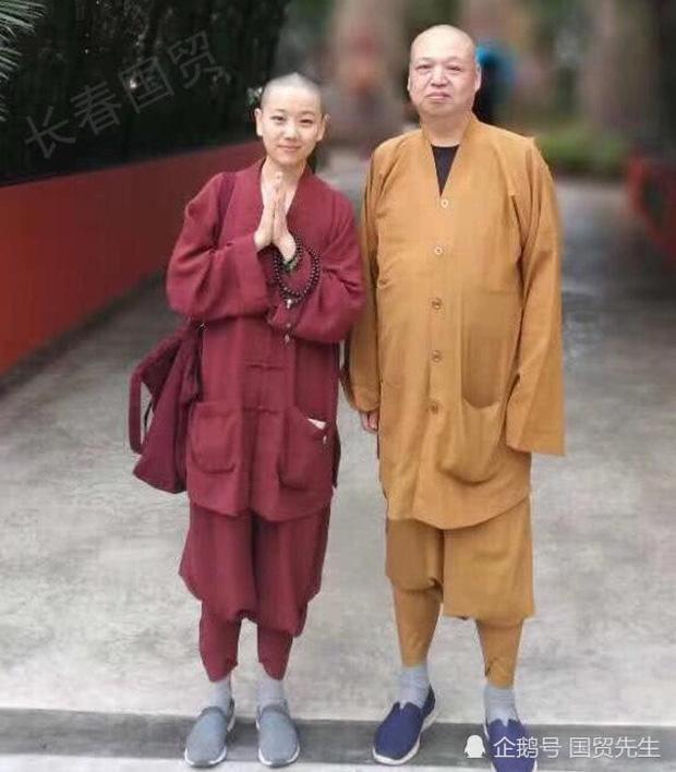 Hoàn Châu Cách Cách: Tiểu mỹ nhân gắn với Triệu Vy 23 năm trước xinh đẹp mỹ miều nhưng gây sốc vì đi tu-6
