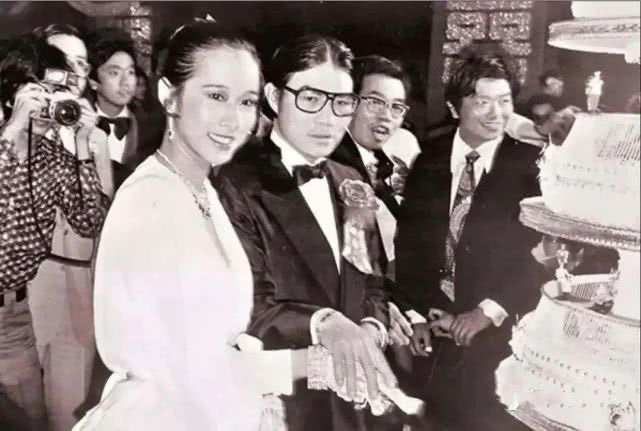 Hoa hậu Hong Kong: Bỏ tỷ phú chung sống 27 năm, tái hôn ở tuổi 50 vẫn được chồng mới cho gần 60 nghìn tỷ-3