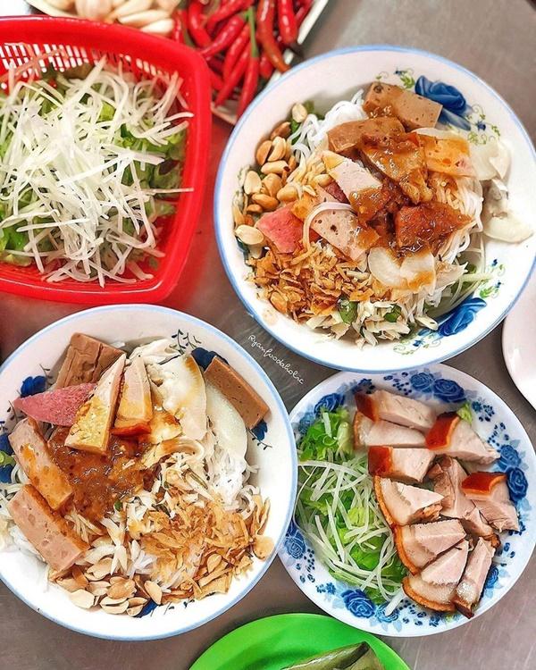 Bánh ướt heo quay và 3 món ngon nức tiếng miền Trung-5
