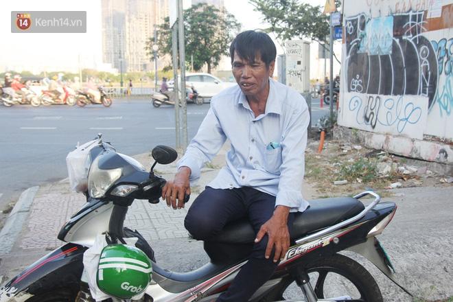 Đằng sau câu chuyện người đàn ông nghèo bật khóc khi bị CSGT tịch thu xích lô: Mấy chú góp tiền để tui mua chiếc xe máy, tui biết ơn dữ lắm!-6