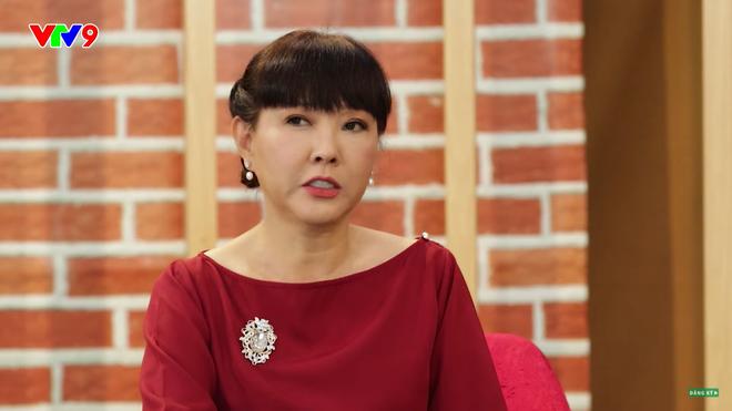 Diễn viên phim Phạm Công Cúc Hoa: Tôi rất hoang mang, bước chân ra đường là bị con nít cầm đá đuổi ném-2
