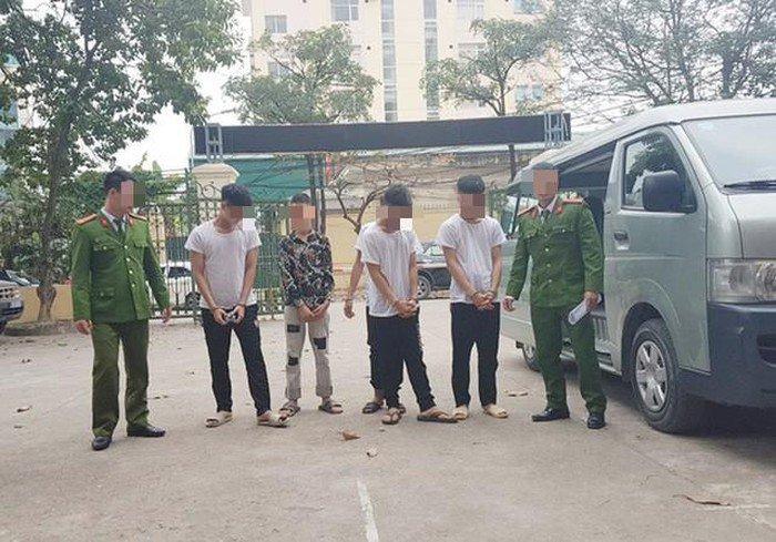 """Người đàn ông bị cướp khi đang vui vẻ"""": Bất ngờ lời khai của nhóm cướp nhí-1"""