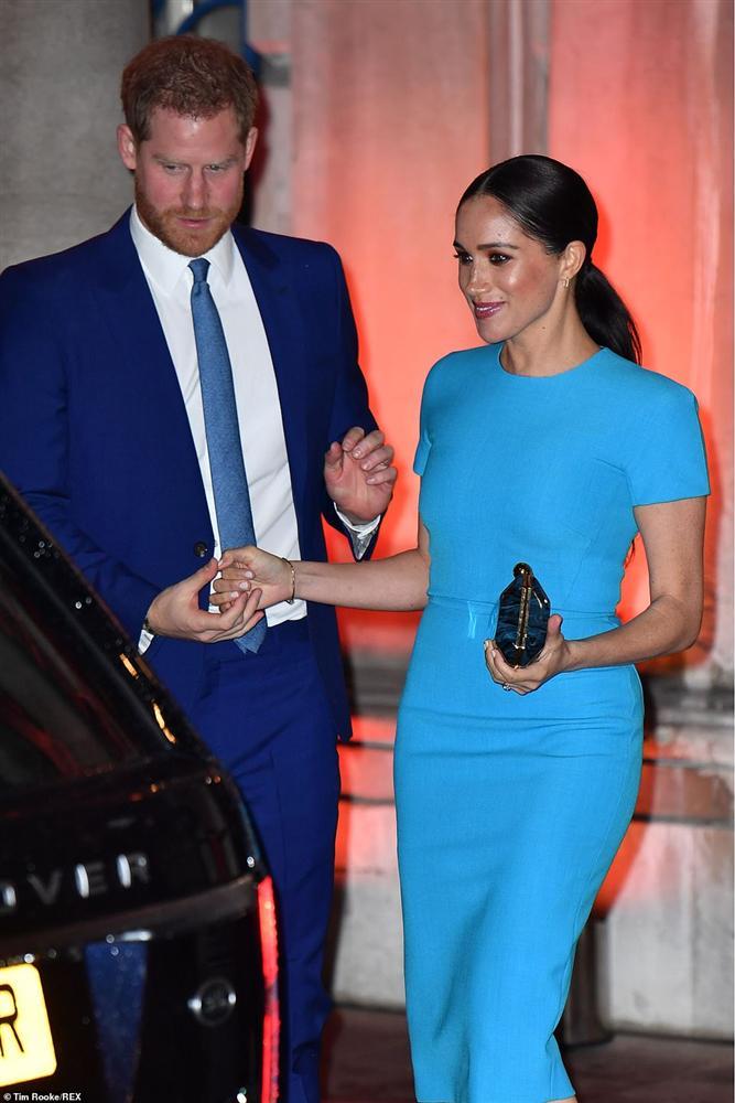 Meghan đẹp thật nhưng nhìn kỹ mới thấy makeup sai sai, lộ rõ tham vọng tấn công Hollywood sau khi rời bỏ Hoàng gia Anh-2