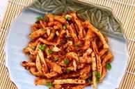 Mua củ cải khô thì làm ngay kim chi củ cải khô để dành ăn dần được rất lâu các mẹ nhé!
