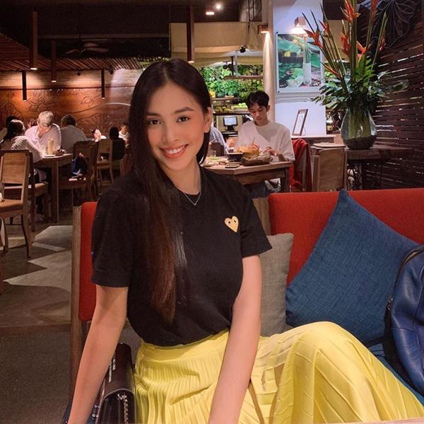 Mỹ nhân Việt chia làm 2 phe khi diện chân váy xếp ly: Bên rực rỡ sắc màu, bên thật dịu dàng mà không chói lóa-4