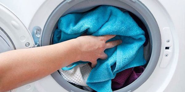 Khăn tắm chẳng mấy chốc biết thành giẻ rách vì chị em vẫn giữ thói quen sử dụng này-3