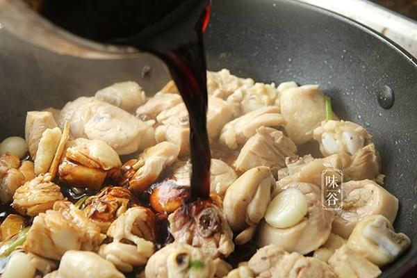 Cách kho thịt gà chuẩn vị vạn người mê, ăn bao nhiêu cơm cũng vẫn cứ thòm thèm-6