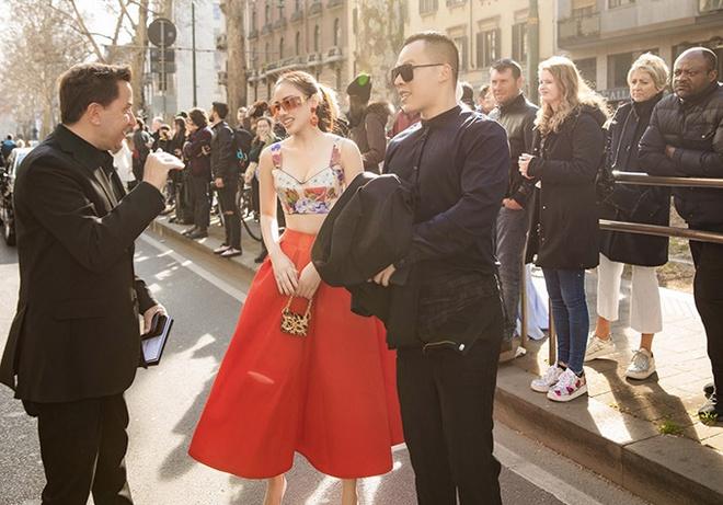 Yêu cầu nghệ sĩ Việt dự show thời trang ở châu Âu kiểm tra y tế-1