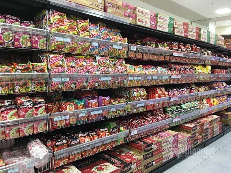 Rau quả, thực phẩm chất như núi, siêu thị vắng khách mua-10