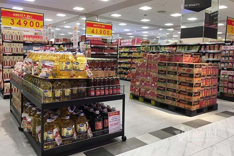 Rau quả, thực phẩm chất như núi, siêu thị vắng khách mua-11