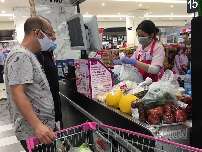 Rau quả, thực phẩm chất như núi, siêu thị vắng khách mua-17