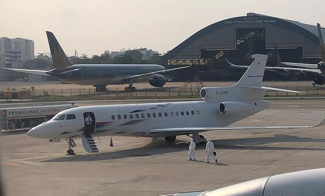 Máy bay đưa bệnh nhân 32 về Việt Nam có giá thuê khoảng 360.000 USD-2