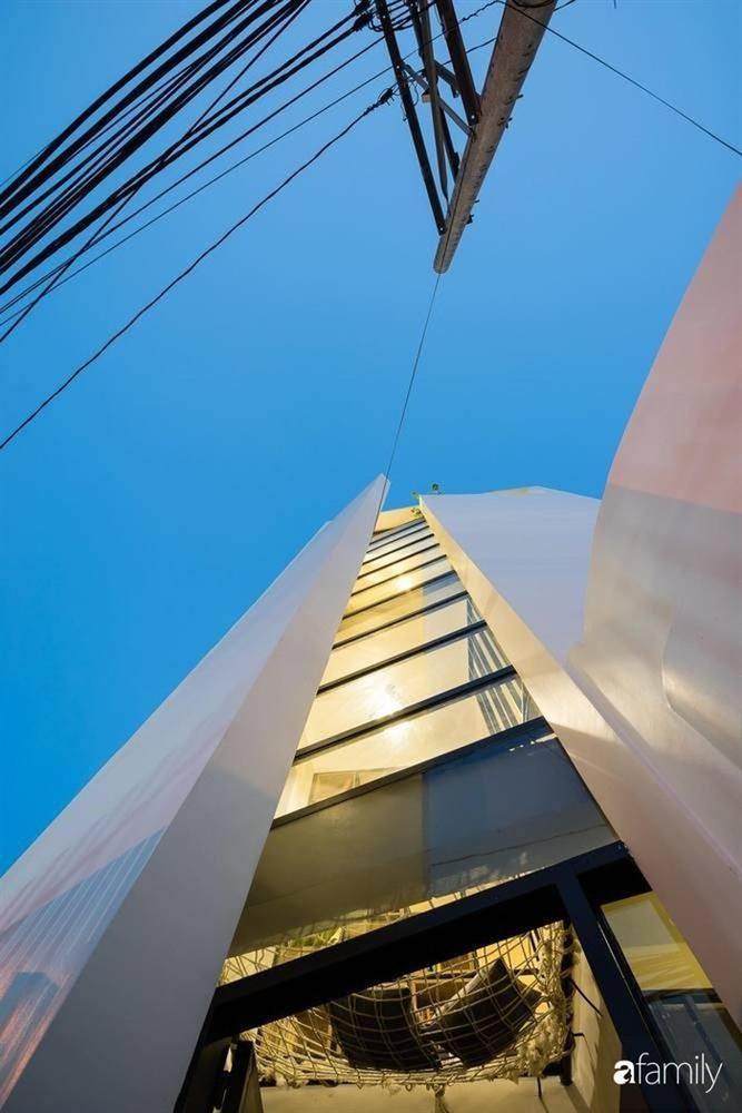 Ngôi nhà ống vỏn vẹn 27m² nhưng vẫn đảm bảo độ thoáng sáng cho gia đình hai thế hệ sinh sống ở TP. HCM-5