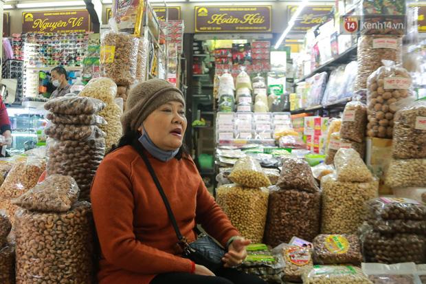 Ảnh: Cảnh tượng đìu hiu tại khu chợ lớn nhất Hà Nội trong mùa dịch Covid-19-5