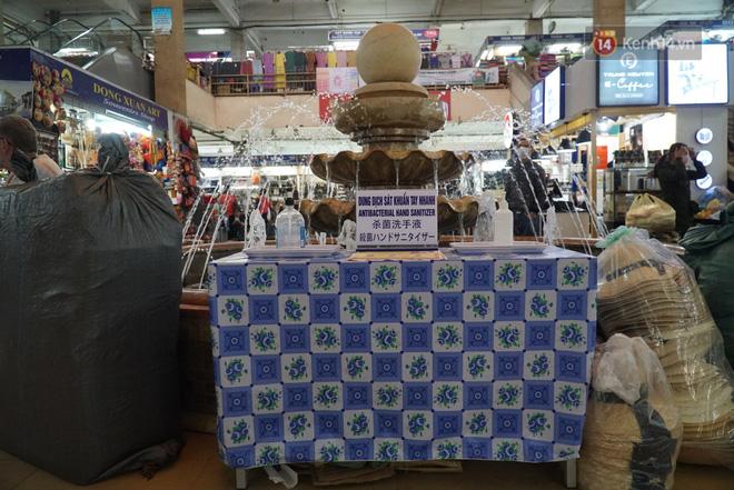 Ảnh: Cảnh tượng đìu hiu tại khu chợ lớn nhất Hà Nội trong mùa dịch Covid-19-11