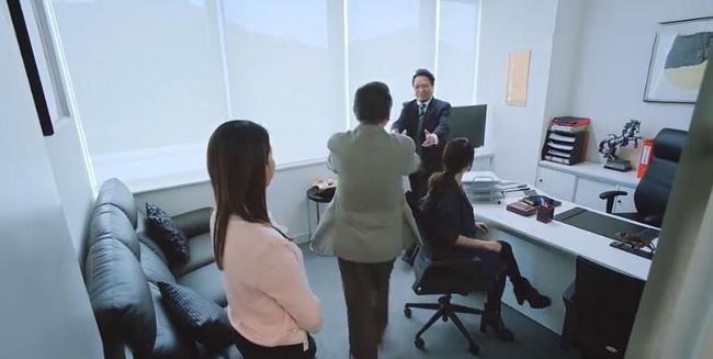 Bằng chứng thép 4 trên TVB: Xóa cảnh của Á hậu Hồng Kông giật chồng nhưng lại để quên đôi giày cao gót-6